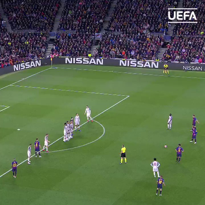 😍 🍿 Para ver una y otra vez...  ¡Los goles en Messi de libre directo en la Champions League! 👟⚽  #UCL | @FCBarcelona_es https://t.co/hpmzmASBBh