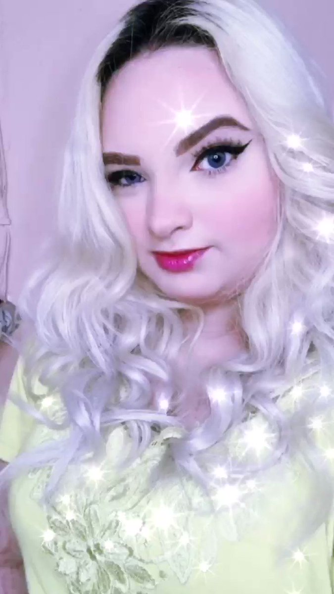 💖✌🏻😁💇🏼♀️  #hair #blondhair  #cabelos #cabelosloiros #makeup #maquiagem #makes #delineado #cortedecabelo #maquiagemtiktok #maquiagemchallenge #marimaria #makeblue #gloss #love #fashion #beautiful #batom #followme #follow #maquiagembrasil #instadaily #tagsforlikes #beauty #amazing