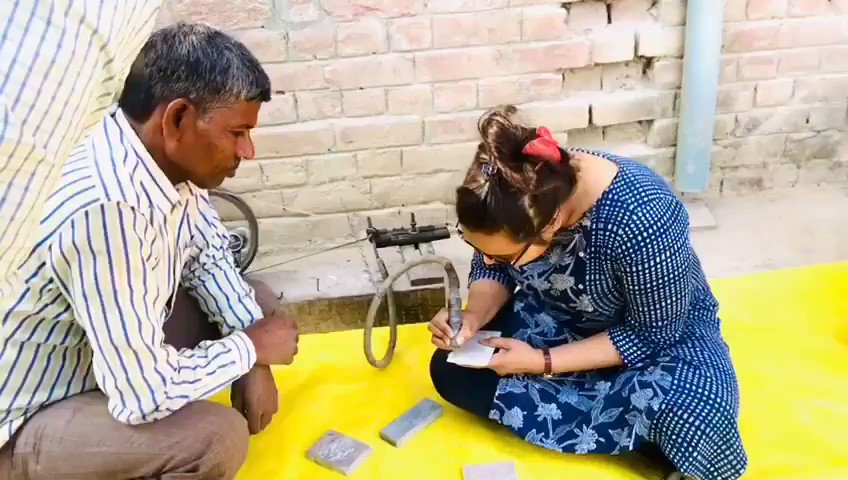 Handicrafts Technical Training Program of ST artisans at Varanasi in craft Stone Carving organised by #UPIDR sponsored by DC Handicrafts, Ministry of Textiles, Govt of India. #varanasi #stonecarving #handicrafts #craftsman #crafts @TexMinIndia