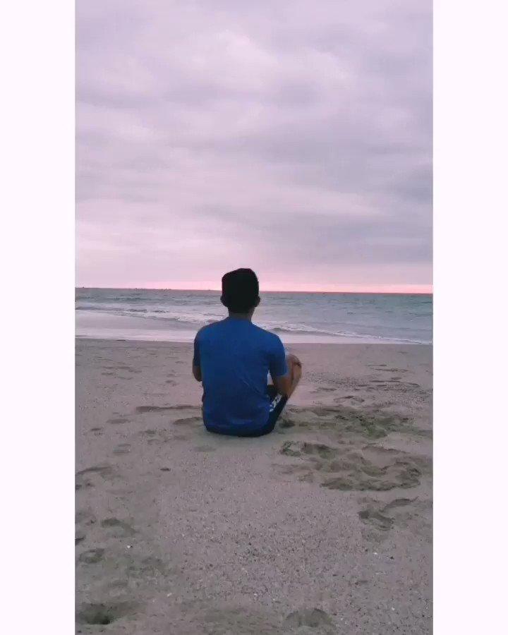 Somos como las huellas en la arena: IMPERMANENTES. Y saber que todo pasa, todo cambia y vuelve a empezar, es justo lo que nos hace apreciar cada instante. ✨✨✨✨  #playa #beach #summer #verano #vacaciones #mar #travel #sol #love #nature #photography #sunset #naturaleza #arena
