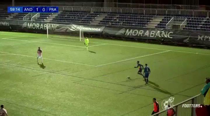 ⚽️ 16 estacions abans que la pilota arribés al destí final. Jugada meravellosa per al golàs d'@Ikergoujon_   #SomTricolors 🔵🟡🔴