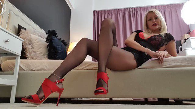 Model - Annelyce Seductress