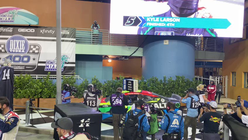 From @teamlivefast and #TraxionGG we want to wish a huge congratulations to @WilliamByron and @TeamHendrick on winning the #DixieVodka400!