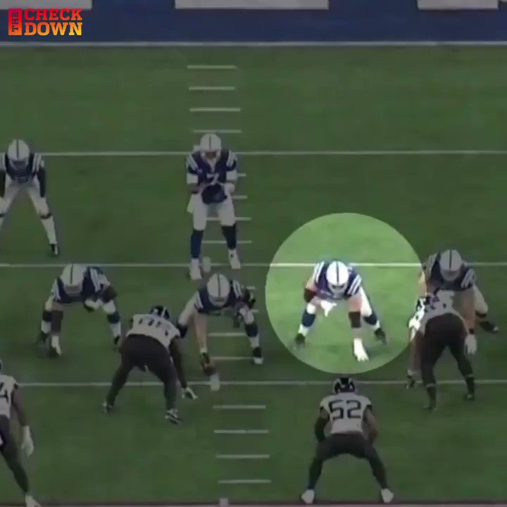 Replying to @thecheckdown: Quenton Nelson's awareness is on another level 🔥 @BigQ56 @Colts