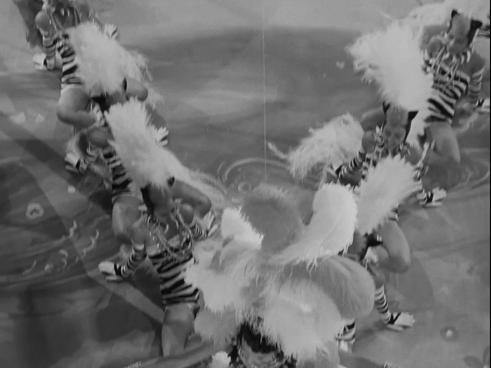 """Lena Horne performing """"Diga Diga Doo"""" in STORMY WEATHER (1943) dir. Andrew L. Stone/chgph. Clarence Robinson"""