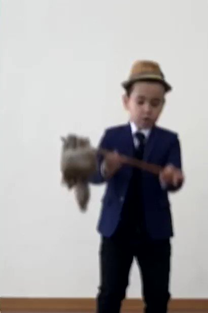 """फिर भी दिल हैं हिंदुस्थानी"""" ! Globally popular song from 1955 movie Shree -420 presented by a class 3 child Samandar from Shastri School, Tashkent; made me once again realise the strength of Bollywood songs as India's soft power! Sharing a clip"""