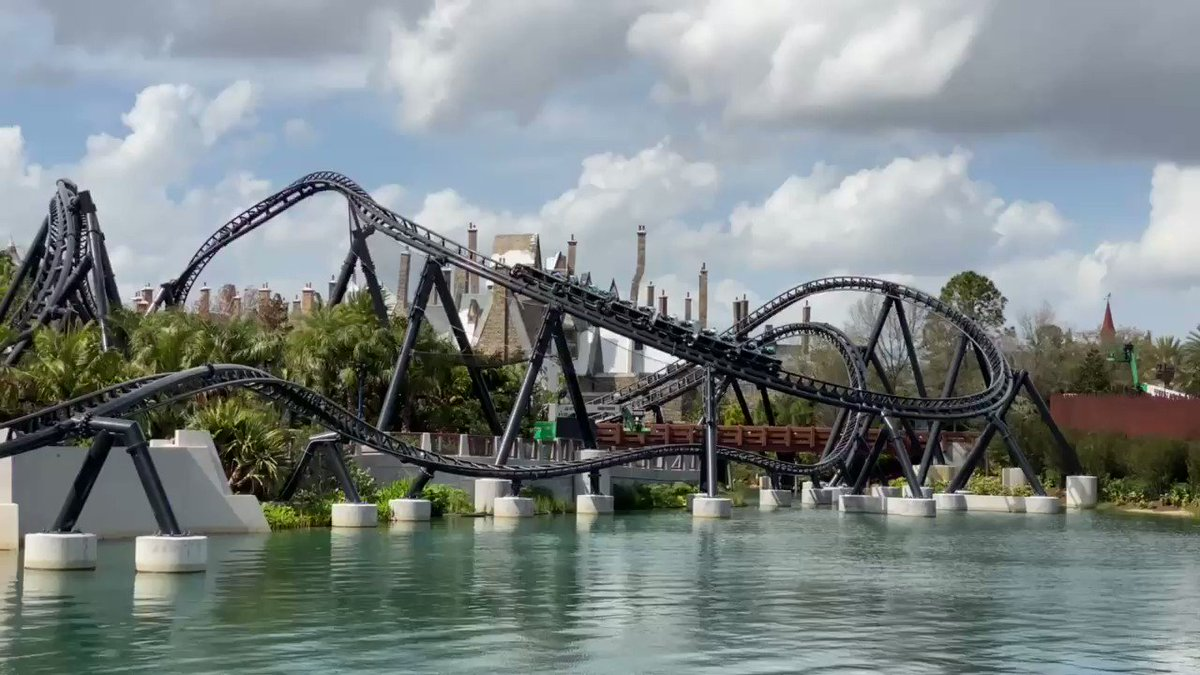 Those Monday #VelociCoaster views! @UniversalORL