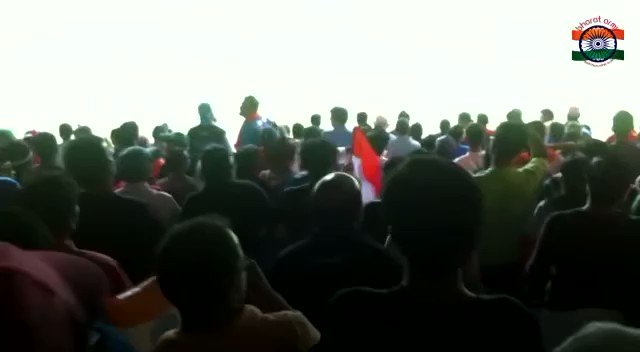 🗣This is what you call 'A Bharat Army Wicket' !   🎥 Footage from the #INDvENG #CWC2011 match in Bangalore when #TeamIndia were desperate for a wicket and @ImZaheer was bowling .   Scenes from the Bharat Army Stand that started chanting:   India! 👏🏾 👏🏾 👏🏾