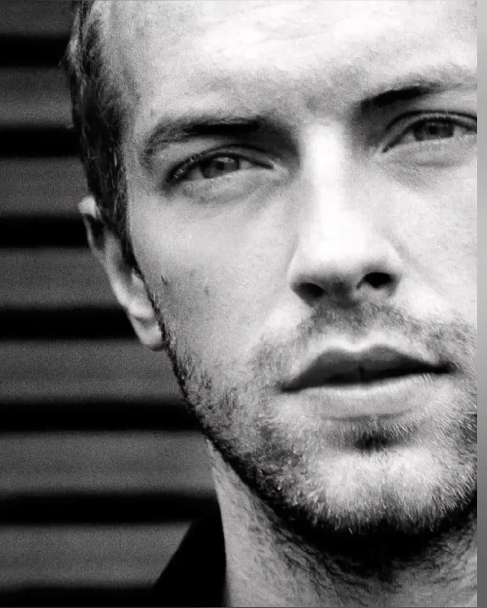 Happy birthday, Chris Martin 🥳 🎉 Today, tomorrow and forever in our hearts. May it be a day full of happiness, emotions and lots of love ! ❤❤❤  #HappyBirthdayChrisMartin #CM44 #ChrisMartin @Coldplay #weLoVeyouChris