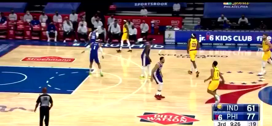 Embiid had Sabonis so rattled he threw the ball to the ref 😂 https://t.co/3BafycbqVJ