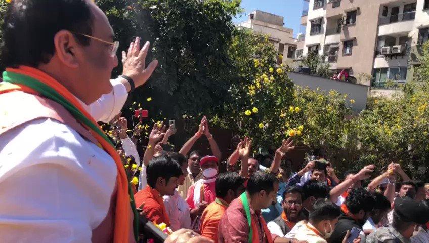 Replying to @JPNadda: वीरभूमि राजस्थान के जयपुर पहुंचने पर कार्यकर्ताओं द्वारा किए गए आत्मीय स्वागत के लिए हृदय से आभार।