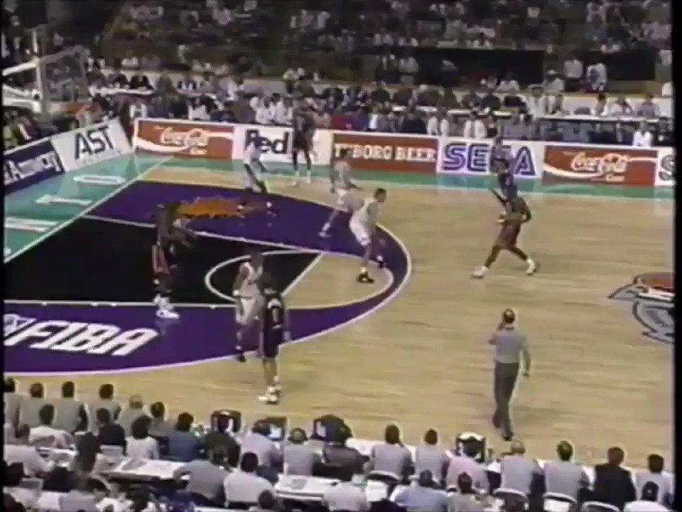 ORLANDO VEGA gets into it with Dream Team 2! #orlandovega #shaq #larryjohnson #dreamteam2 @SHAQ @usabasketball @HoHighlights @InsideHoops @NBAHistory @FIBA