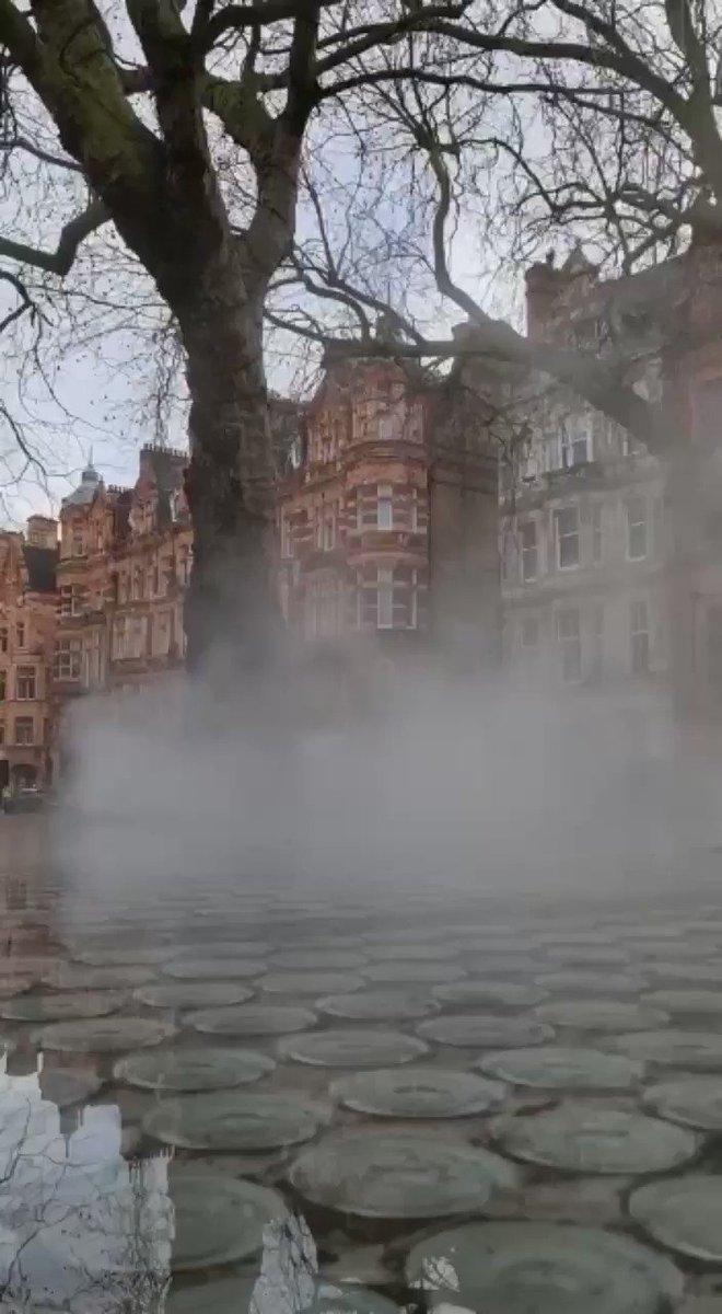 CITY LIFE #walk #walking #smoke #city #citylife #uk #lockdown #fitfam #CityGirls #tuesdaymotivations #tuesdayvibe #TuesdayFeeling #TuesdayInspiration #Cloudy #Influencer #influenceuse #influence #bloggers #Video #VIDEOS #visitlondon #visit #Travel #travelblogger #travelling