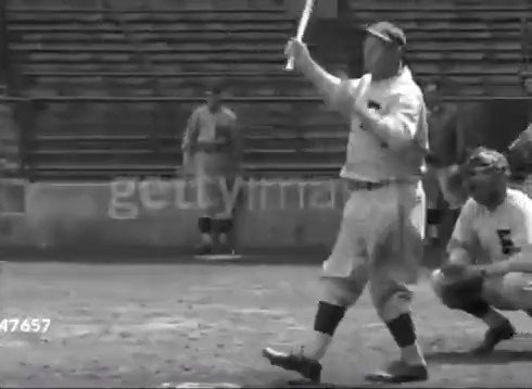 Heres 59-year-old Honus Wagner hitting a NUKE in batting practice (1933)