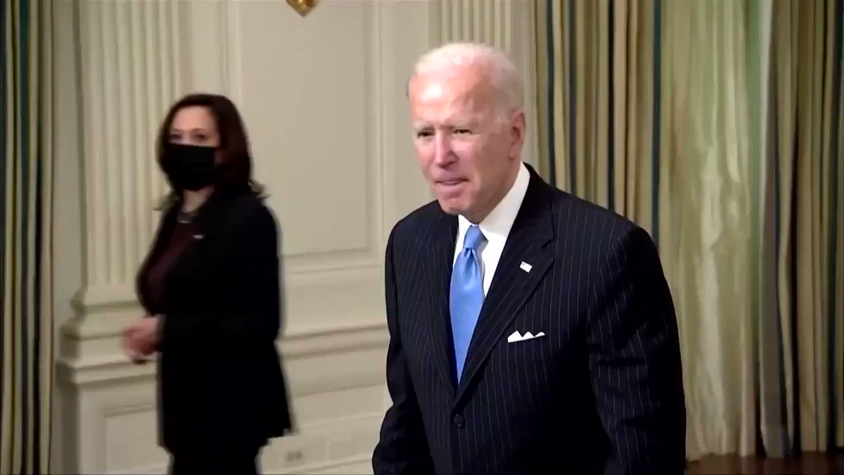 Biden struggling today. Forgot his mask. Headed to residence for nap time.