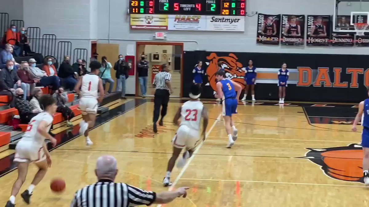 Division IV, NE District #3 District Semifinal 🏀   *End of the 1st* #2 Dalton - 17 #5 Independence - 13  The Bulldogs have an early edge after a competitive opening frame.  @DaltonLocal @IndyBlueDevils