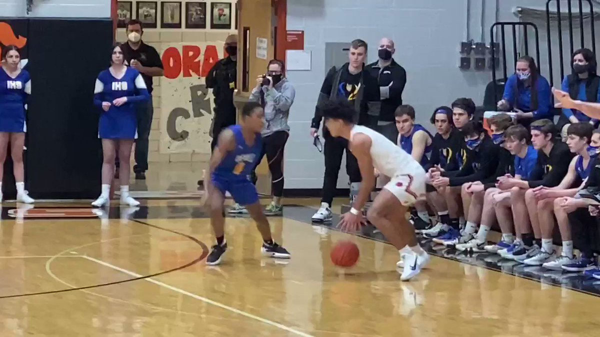 Ace Buckner with the steal, followed by a beautiful euro step bucket!   The freshman is only in his second varsity game, but plays with the confidence of a four year varsity starter.