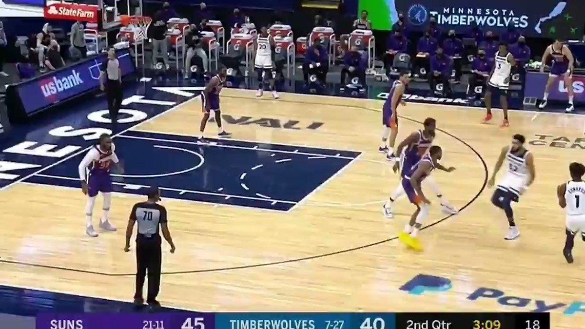Really love Jae Crowder here.  Karl Anthony Towns gives him a hard shove, and Jae complains to the ref.  Rather than giving up though, he stays with it, blocks the inside pass, and then helps force the miss on the following shot.  You love to see this. #Suns https://t.co/Y40BJtgI2p
