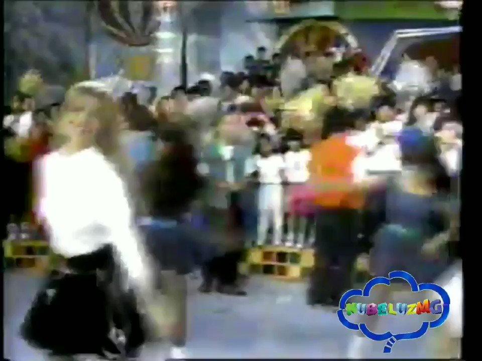 A gozar, con Lily y Mónica ❤  #LilianneBraun #MónicaSantaMaríaSmith #Dalina #Nubeluz #Nubelina #Cindela #Golmodi #ConoNubeluz #Plak #PanamericanaTelevisión #Retro #Perú #ProgramaInfantil #90s #GranticoPalmaniZum #Nubecino #Nubetor #likeforlike #sigueme #Nubeluzmg #Agozar