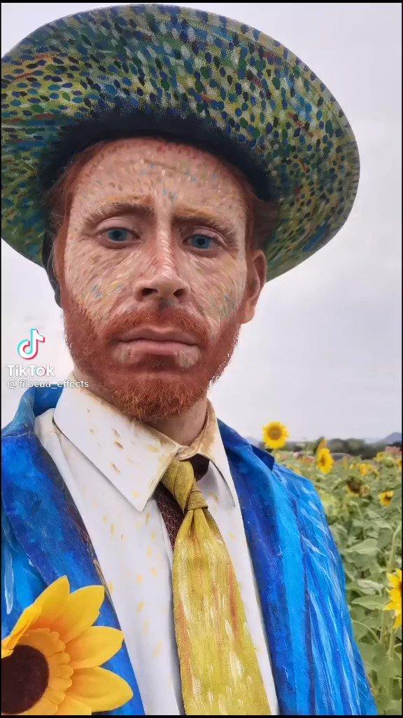 A real Van Gogh? Source: @filocua #VincentvanGogh #vangogh #VanGoghInspires #sunflower https://t.co/4y5mVOaEEX