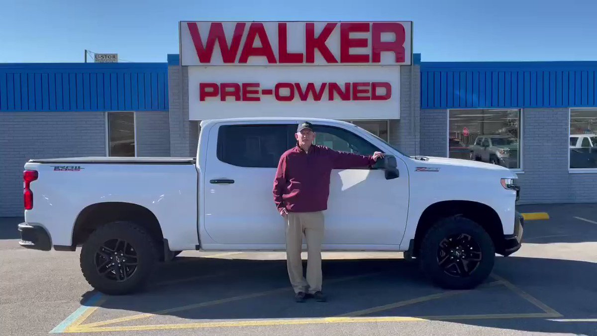 It's going to be nice all week so what better time to stop by Walker Chevrolet in Nitro and check out our certified inventory! #Trailboss #makingfriends #WalkerFamily  📍4130 1st Avenue Nitro, WV 25143 📞304-759-8587