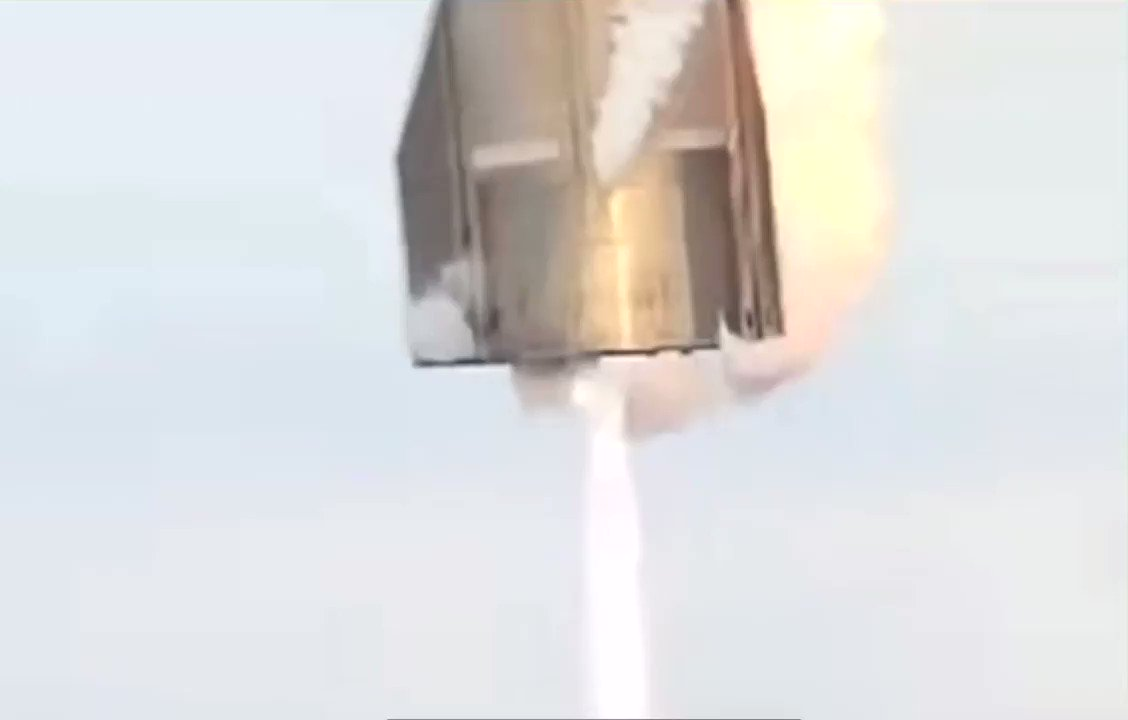 Video from @LabPadre's stream show SN10's landing legs damaged during landing.  I wonder if Starship SN10 would've still exploded if it had landed on the legs properly.🤔