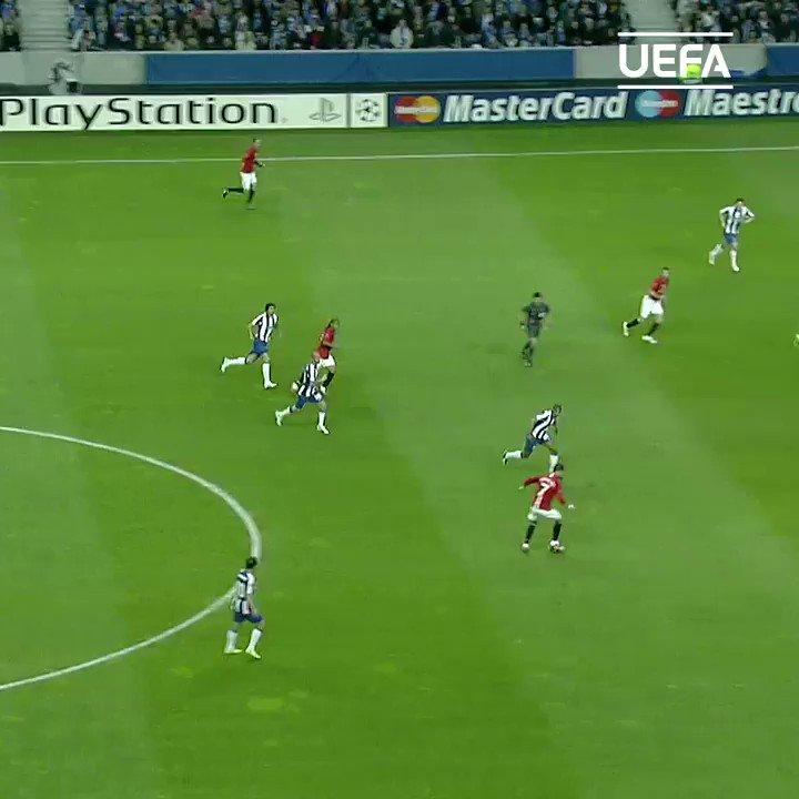 🤯 Sencillamente impresionante...  ¡Lo mejor de @Cristiano Ronaldo en el Manchester United! 🙌⚽  #UCL | @ManUtd_Es