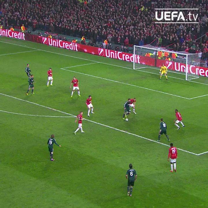 El día que @Cristiano Ronaldo marcó ante 'su' Manchester United 🙏⚽  📆 ¡Fue #TalDíaComoHoy hace 8 años! ¡Cómo pasa el tiempo!  #UCL | @realmadrid