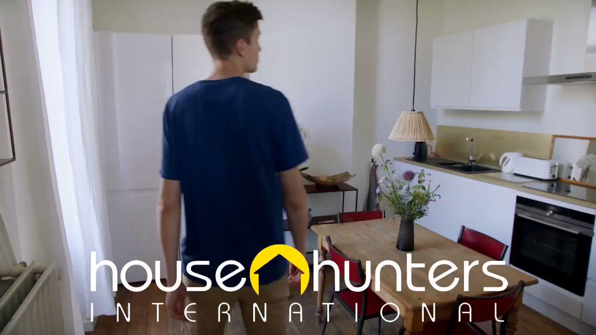 What's Weird About That?! #Premiere House Hunters International #Brussels #Belgium 10:30|9:30c@HGTV  #university #movingintogether #kitchen #newhome #cuisine #architecture #relocate #worldtravel #heritage #ancestors #househuntersinternational #hgtv @argonon @maxbenoitgagne