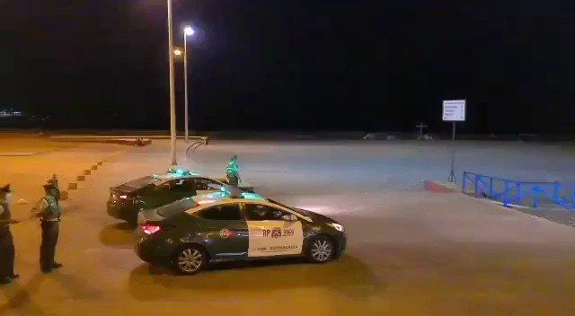 Se informa que @carab_ohiggins ha dispuesto patrullajes preventivos en #Pichilemu, #Bucalemu, #Navidad en la región de #OHiggins. Se prohibe el ingreso a las playas y se debe estar de manera precautoria a 80 metros de la costa. @BienvenidaFM @VeritasCapitur