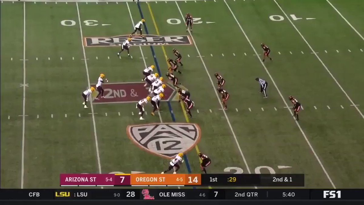 When watching Brandon Aiyuk last year, WR Frank Darby also flashed on film.  Darby could be looked at by teams looking for a pure deep threat, as he has good speed, size and ball tracking ability.  He needs to keep working on his route running, but he's an interesting player. https://t.co/jUSrSBbnw1