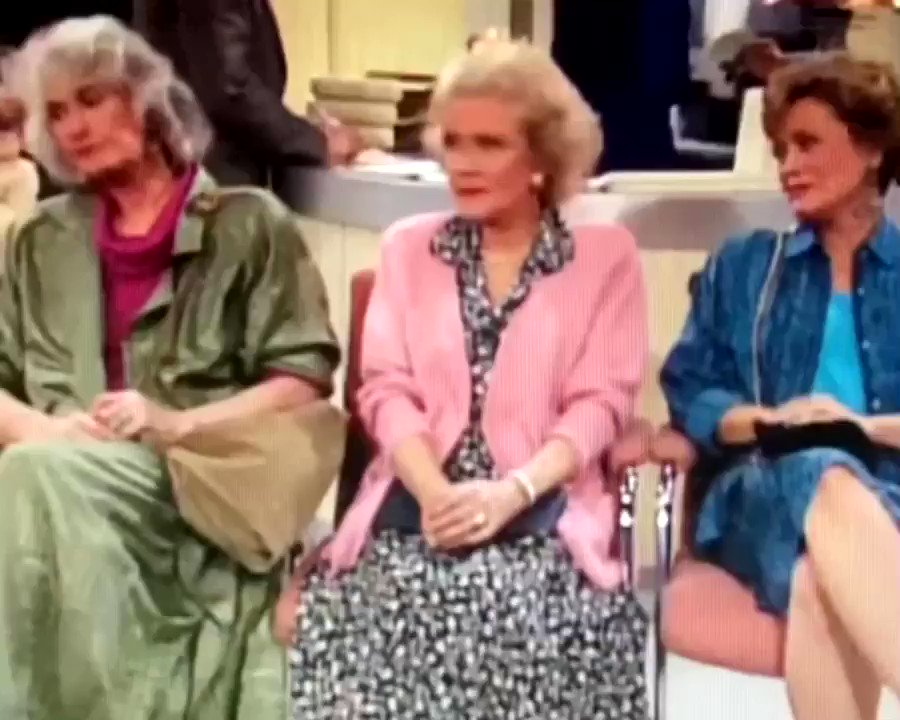 Raised hands, full hearts 🙋🏼‍♀️ #tgif #bettywhite #beaarthur #ruemcclanahan #estellegetty #goldengirls #thegoldengirls