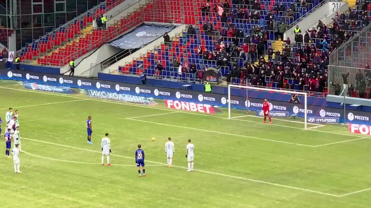 Rondón's off the Mark in Russia! Venezuela's record goalscorer has grabbed his first goal for CSKA Moscow, scoring from the spot after 38 minutes! The second half has just begun. CSKA lead Akhmat Grozny 1-0. #venex