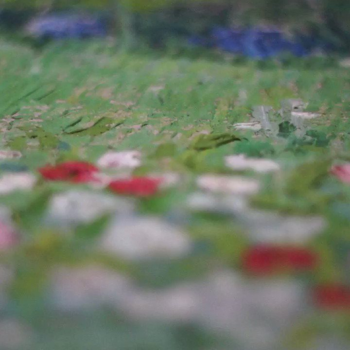 Get really close to a painting. Then you discover special, unexpected things. Like how the stickers on the back of a painting tell a story. Watch the video and find out what story the back of Daubigny's Garden tells. https://t.co/uG81VVxrdV
