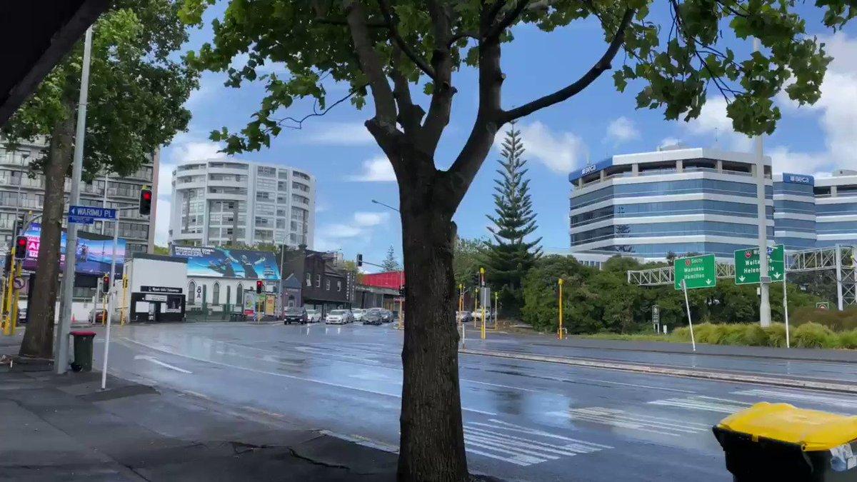 Replying to @Louisepoppy: Sunday Shower - waiting 5 minutes! #sundayvibes #slowtravel #newzealand