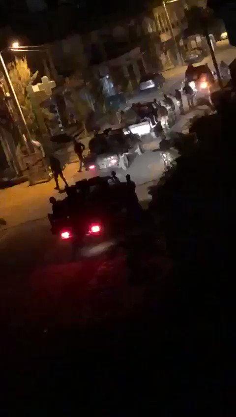 #FreeSenegal La milice de @Macky_Sall kidnappe les activistes une fois la nuit tombée. Dans quel pays sommes nous. Ou sont la Radho, Amnesty et les media. Si ses nervis be sont pas arretés et punis, on va directement vers une guerre civile. @kebetu @aliounetine16 @seneweb @RFI_En
