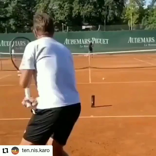 #Repost @ ten.nis.karo • • • • • • Slow-mo perfection with Wawrinka and that perfect backhand 🙌🔥💯  Does @ stanwawrinka85 have the best one-handed backhand on the tour?   🏷 #tennis #stanwawrinka #wawrinka #stantheman #tennisplayer #tennistraining #backhand 