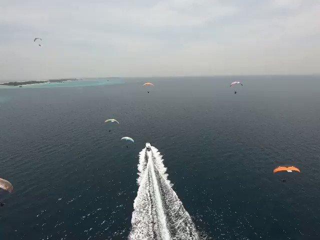 Come back @kesterhaynes  #flymaldives #adventure #parajet #extremesports #paramotoring #paramotormaldives #paragliding #aerial #travel #Maldives #Tbt