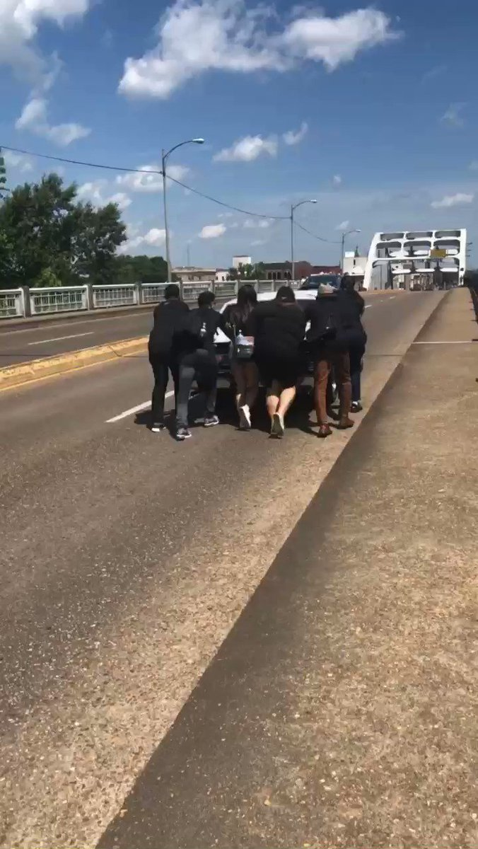 On this #BloodySunday I'll share a video from a 2019 Selma trip I took on behalf of @southerncenter with @BeeForGeorgia and @NewAmericanLd. An elder's car stalled on the bridge and these young leaders of color pushed it across. Metaphorical perfection.
