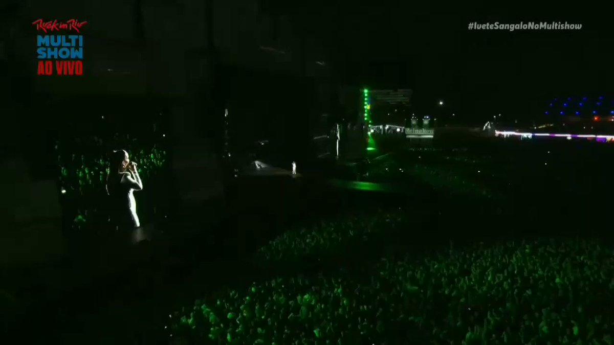 Replying to @passionveveta: Momentos perfeitos da Ivete Sangalo no palco do rock in Rio ❤️