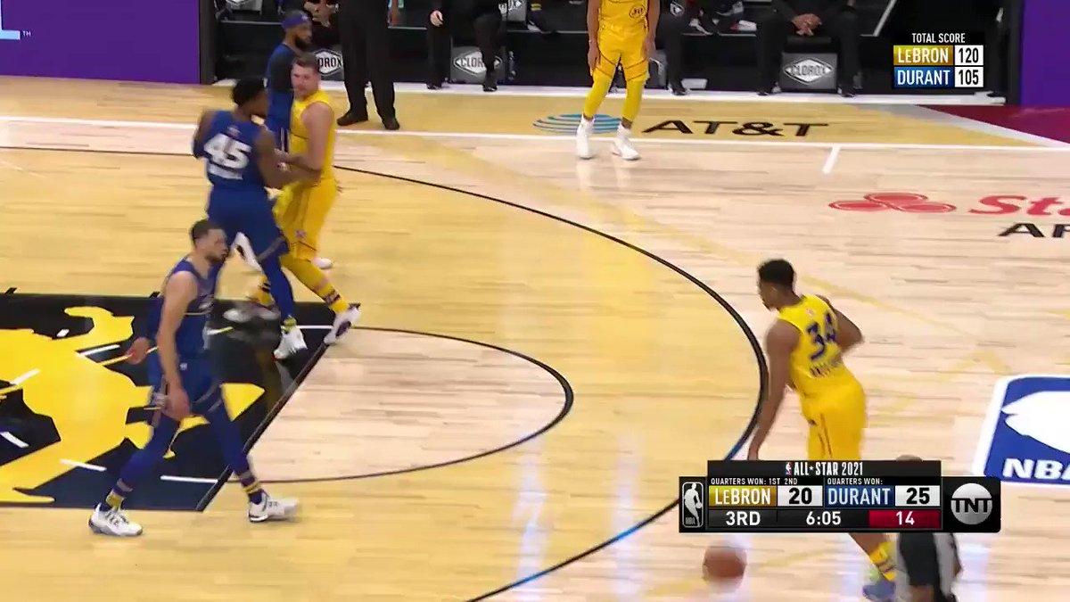 GIANNIS BANKED THIS IN 🤯  16-16 FG  #NBAAllStar   (via @NBA)
