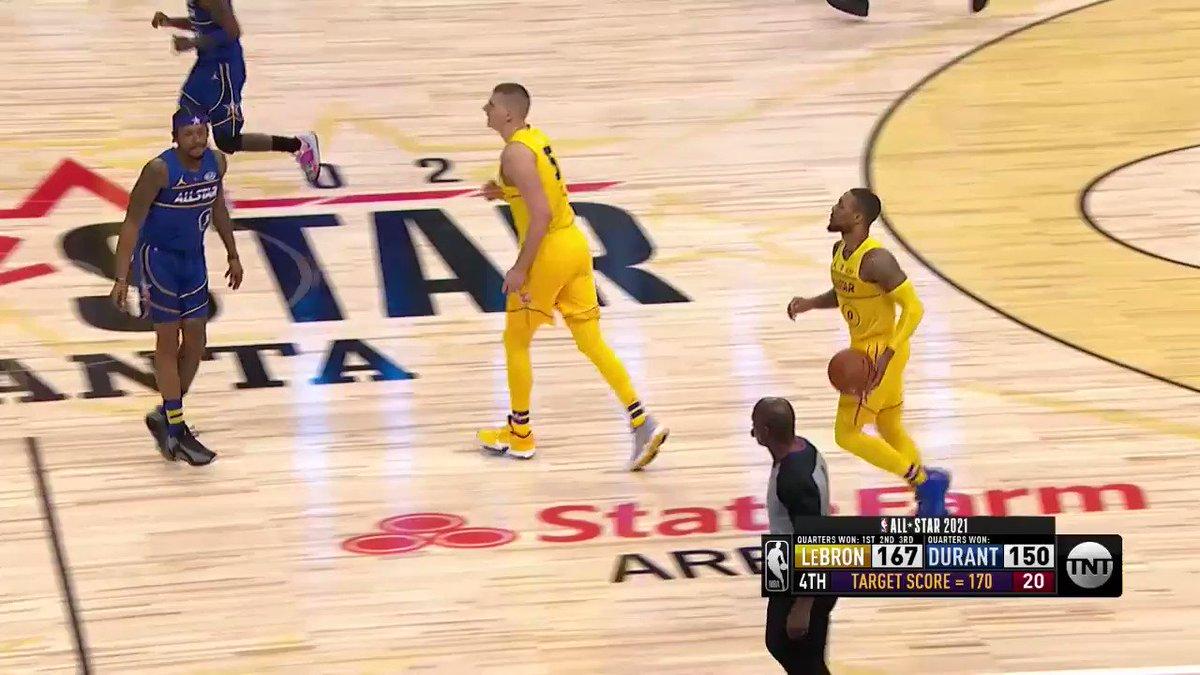 🚨⌚️ LOGO LILLARD CALLS GAME FROM HALFCOURT! Dames 8TH three of the #NBAAllStar Game WINS it for #TeamLeBron!