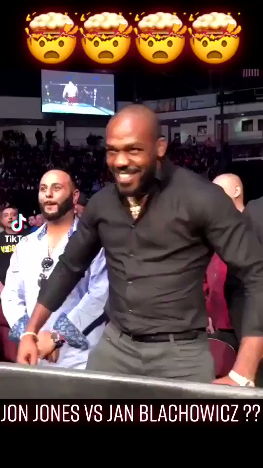 JON JONES Vs JAN BLACHOWICZ ?? 😮🔥💣  #UFC #danawhite #jonjones #combatsports #jones #janblachowicz #blachowicz #usa #amazing#conormcgregor  #ko #fight #baston #boxing #mcgregor #mma #mmafighter #mmatraining