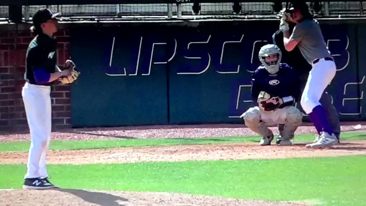 """#MondayMotivation  Presented by 5 Star Midsouth 2021 National @alex__qualls from @LAMustangBB throwing absolute filth over the weekend. The @VSCCPioneersBSB commit is in for a """"big"""" Spring! #MidSouthMaFia"""