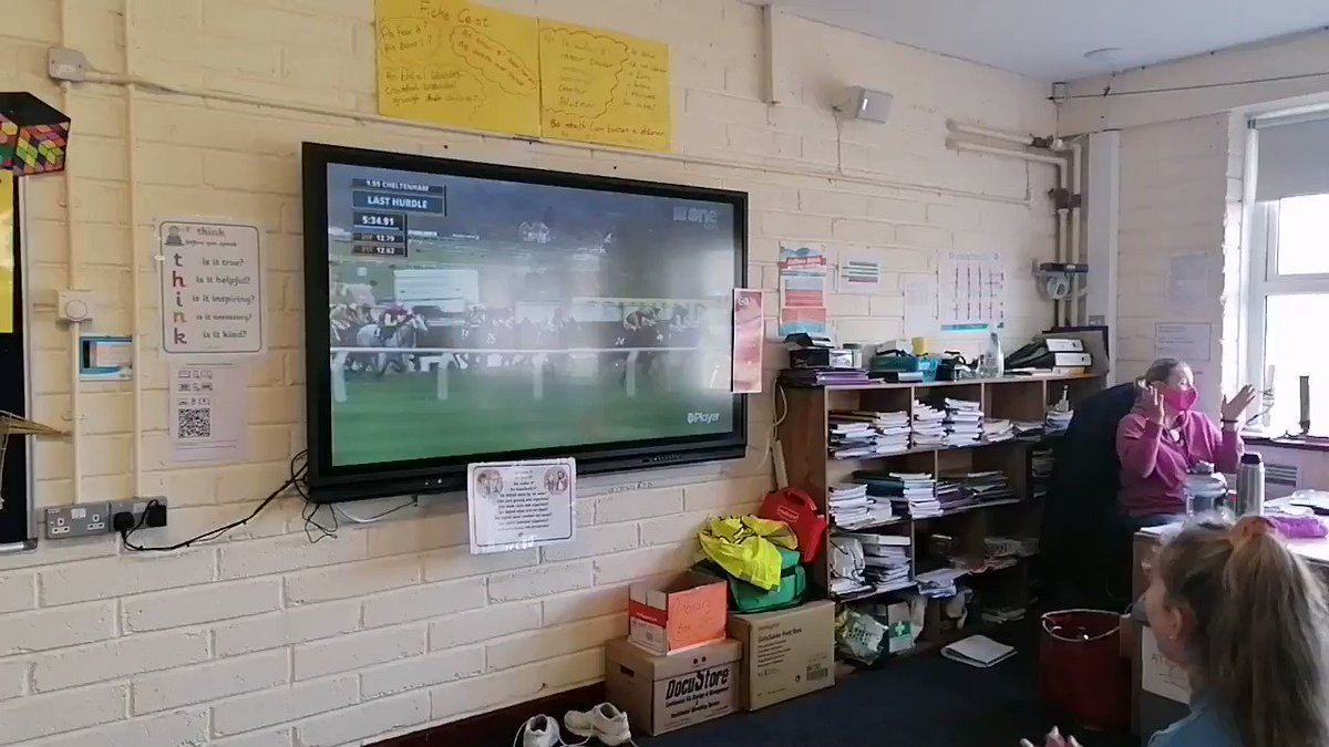 A slightly unusual lesson in 6th class today😂😁 🏇great excitement!! @RathnureNS Well done @nolan_racing #proud https://t.co/YnDmEafScw