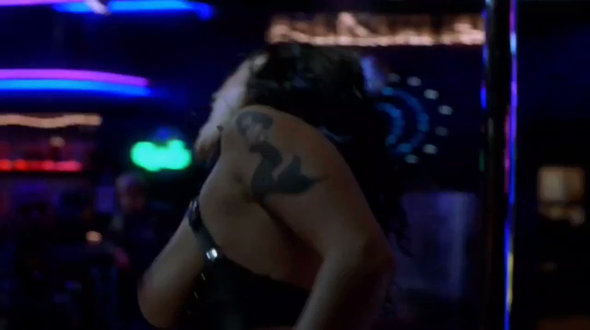 Jennifer Tilly – Dancing at the Blue Iguana (2000)  – Celeb Nudity