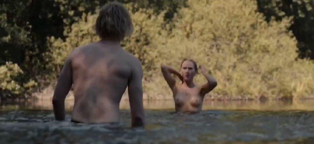 Gina Stiebitz – Dark S02E06 (2019)  – Celeb Nudity