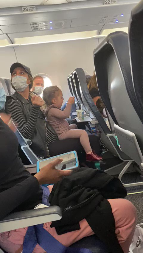 Update: Spirit Airlines Removes 'Abusive' Flight Attendant, Allows All Passengers Back on Plane P8BSK25W_fG3PAls