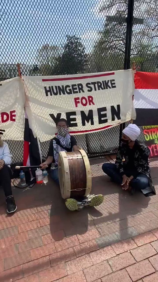 .@IlhanMN is outside the White House meeting with @LiberateYemen, who has been on hunger strike for 9 days calling for an end to the U.S.-backed Saudi blockade of Yemen https://t.co/M4z5yZCgap