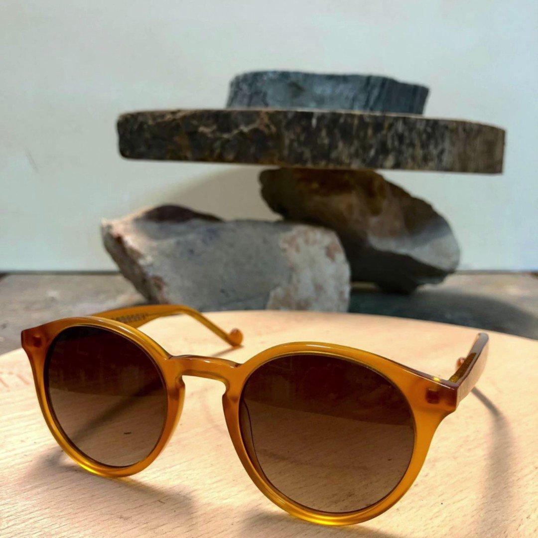 Image for the Tweet beginning: Estrena gafas de sol con